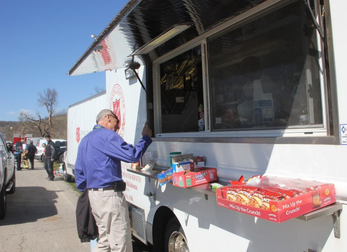 Salvation Army Provides Nourishment During Clean-up